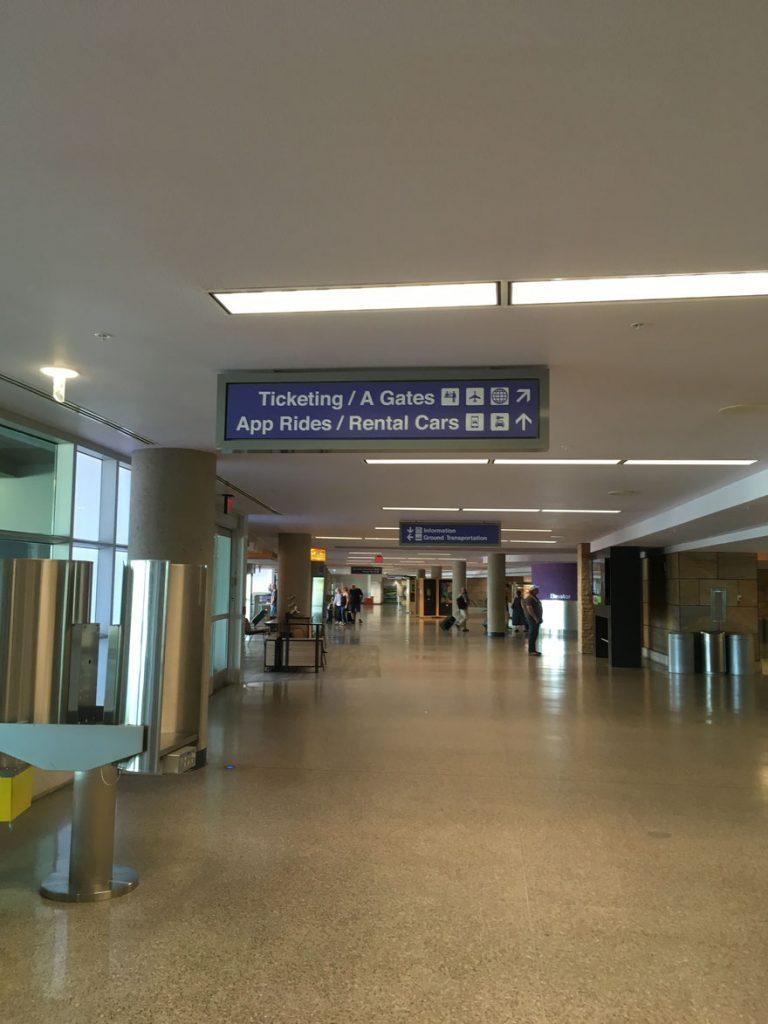 rent car pick up at Tucson airport-03